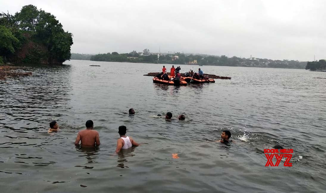 Bhopal boat mishap claims 12 lives, leaders fight over aid