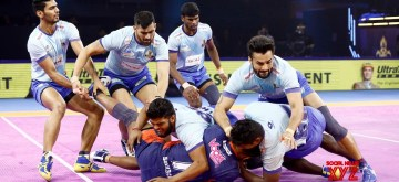 New Delhi: Players in action during match no. 128 of Vivo Pro Kabaddi Season 7 between Bengal Warriors and Tamil Thalaivas at Thyagaraj Sports Complex in New Delhi on Oct 9, 2019. (Photo: IANS)