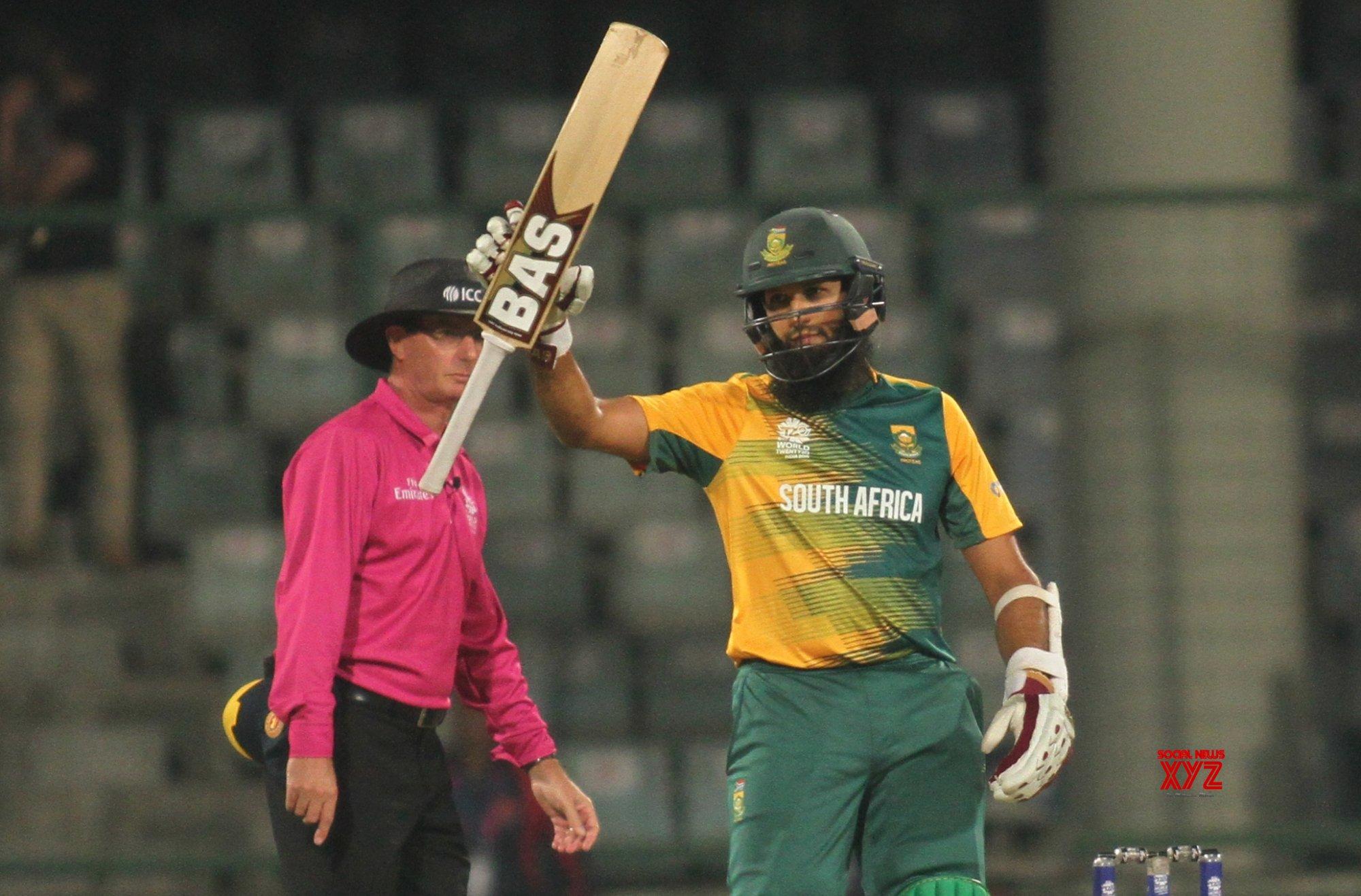 Hashim Amla set to sign for Surrey