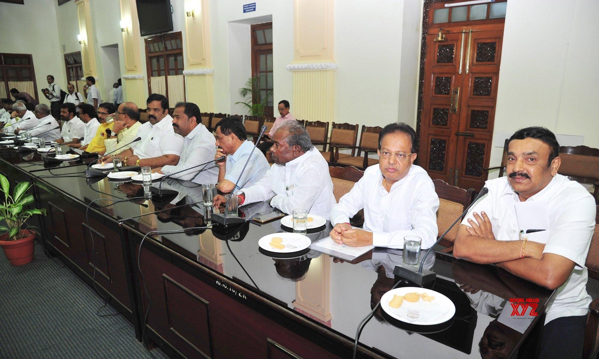Bengaluru: B.S. Yeddiyurappa chairs BJP Meeting at Vidhana Soudha #Gallery