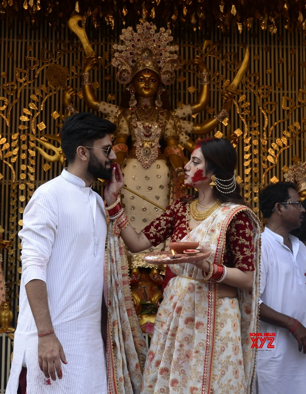 Kolkata: 'Sindur Khela' celebrations at Chaltabagan (Batch - 2) #Gallery