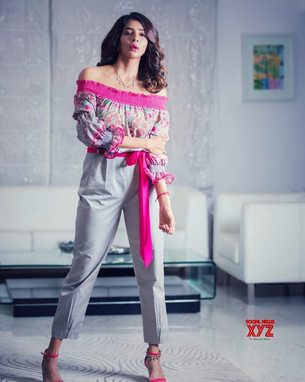 Actress Lakshmi Manchu Stills From Feet Up With The Stars Show