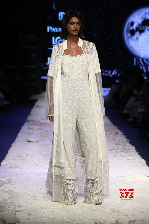 New Delhi: Lotus Make - up India Fashion Week - Payal Jain's creations showcased ( Batch - 2) #Gallery