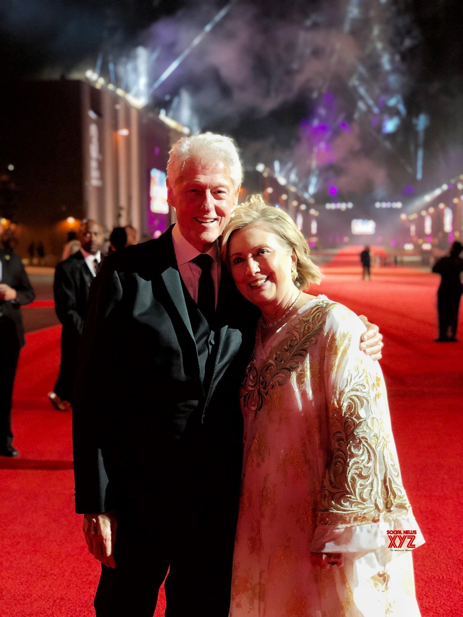 Bill Clinton And Hillary Clinton's 44th Anniversary Special Still