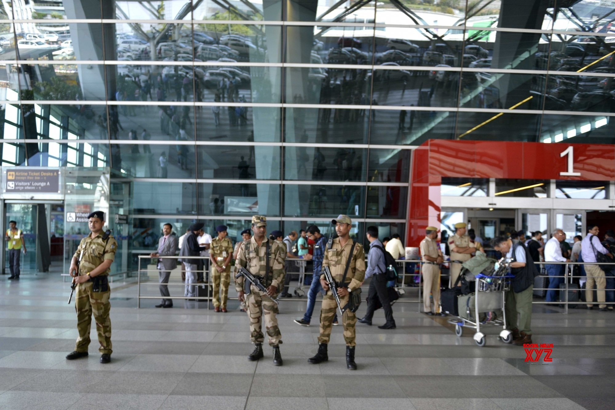 4 nabbed at Delhi airport with Rs 39.14 lakh cash