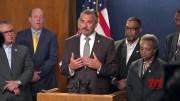 Former LA police chief named interim in Chicago (Video)
