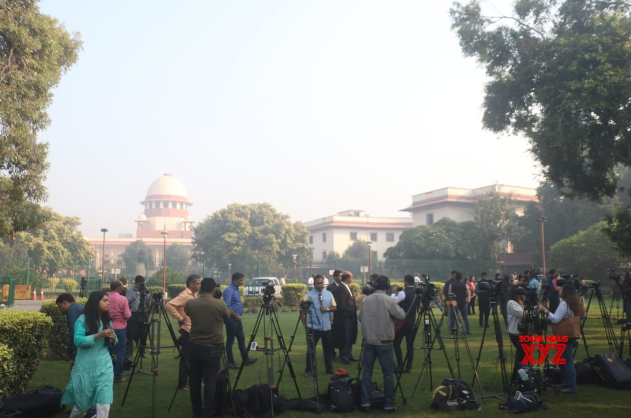 Presence of mosque couldn't shake Hindus' beliefs: SC