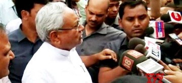Patna: Bihar Chief Minister Nitish Kumar talks to the media at Jay Prakash Narayan International Airport in Patna on Nov 9, 2019. (Photo: IANS)