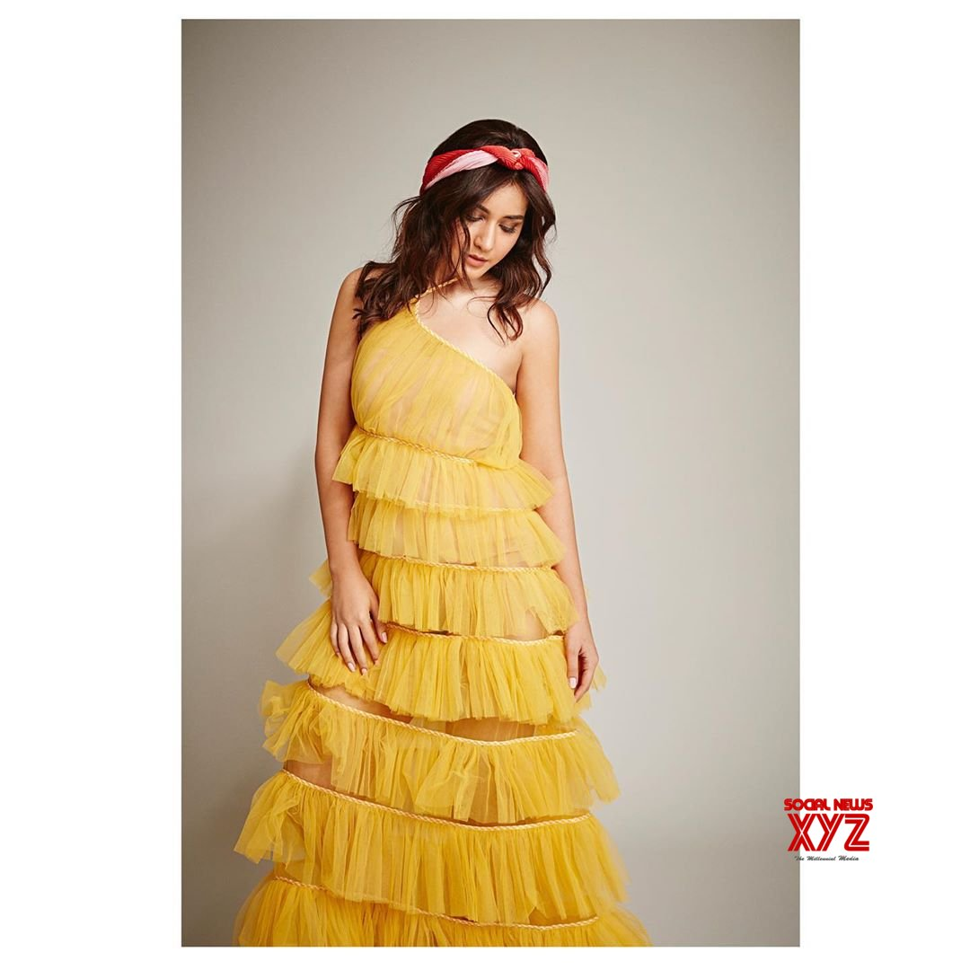 Actress Raashi Khanna Trying To Be Different In New Still