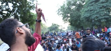 New Delhi: JNU students stage a demonstration near Jor Bagh metro station as they continue to protest demanding rollback of fee hikes and release of detained students, in New Delhi on Nov 18, 2019. (Photo: IANS)