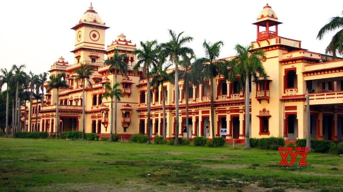 BHU students resume protest against Muslim Prof's appointment