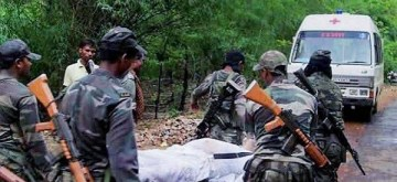 Kohkatoli: Security personnel carry the body of a CRPF personal who was killed in an encounter between security forces and Maoists, in Keshkutul area of Chhattisgarh's Bijapur, on June 28, 2019. ITBP on Friday destroyed a Maoist camp after a gun battle in Chhattisgarh. (Photo: IANS)