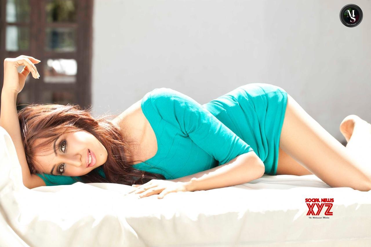 Actress Sanjjanaa Galrani Sexy Stills