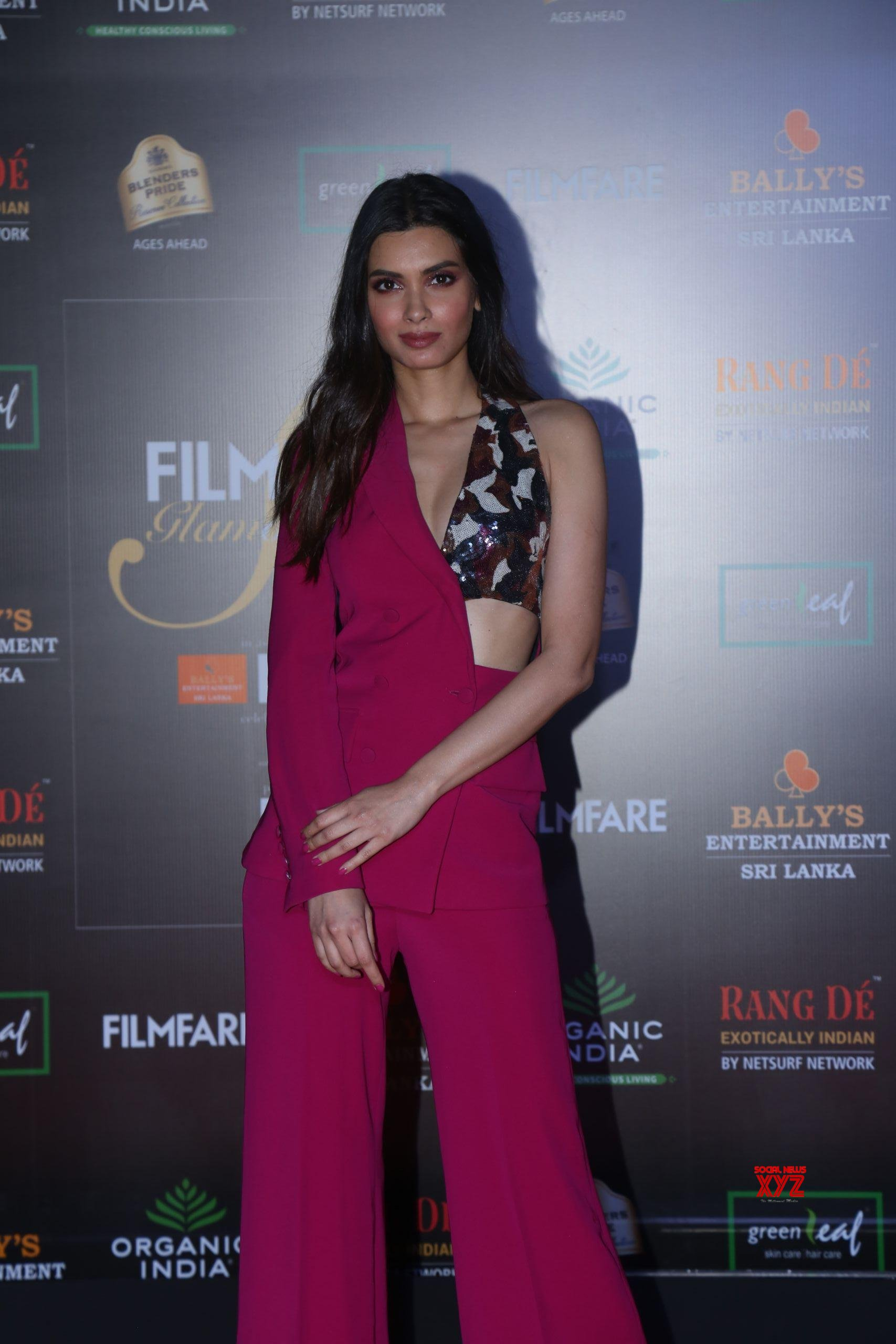 Actress Diana Penty Hot HD Stills From Filmfare Glamour And Style Awards 2019 Red Carpet