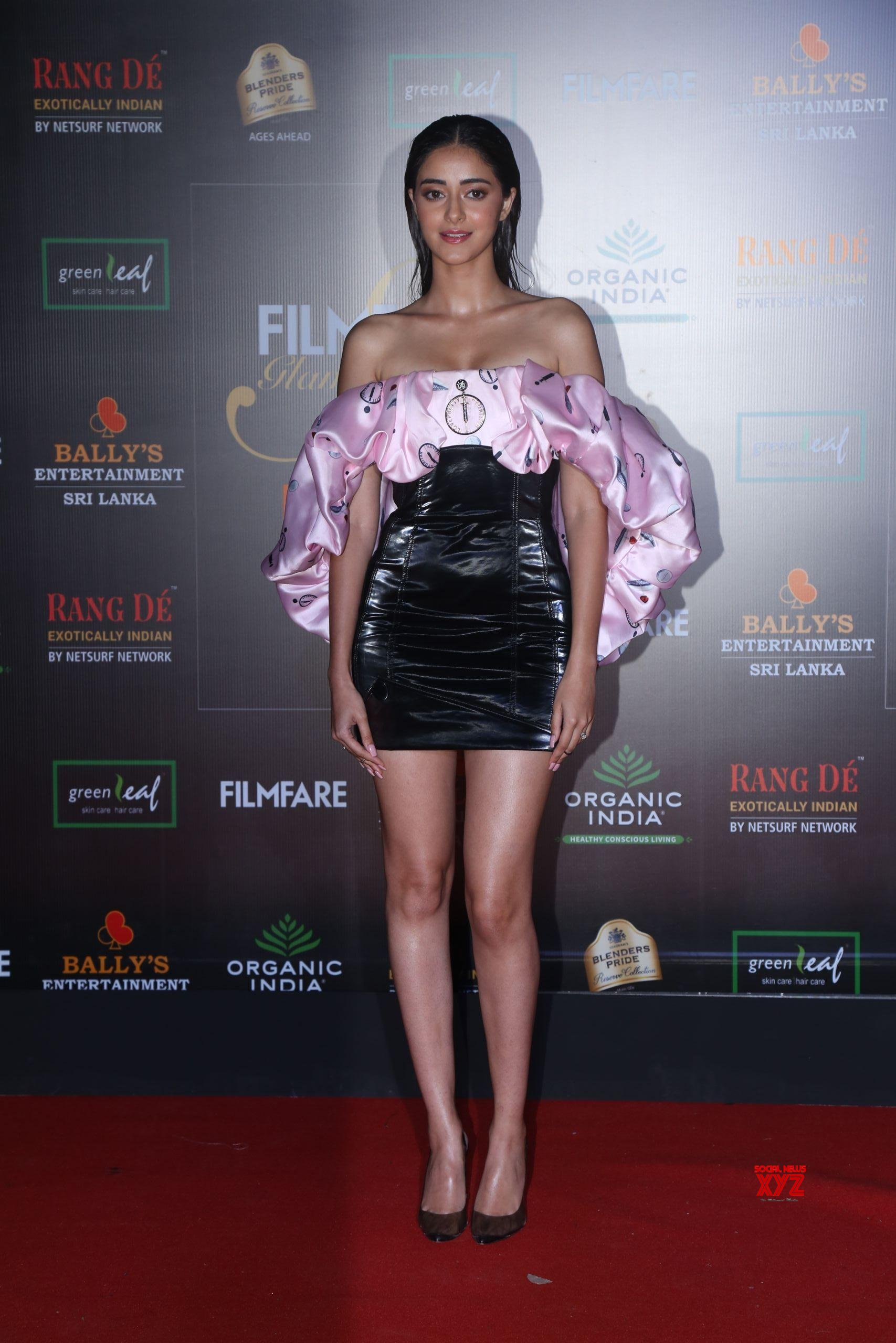 Actress Ananya Pandey Hot HD Stills From Filmfare Glamour And Style Awards 2019 Red Carpet