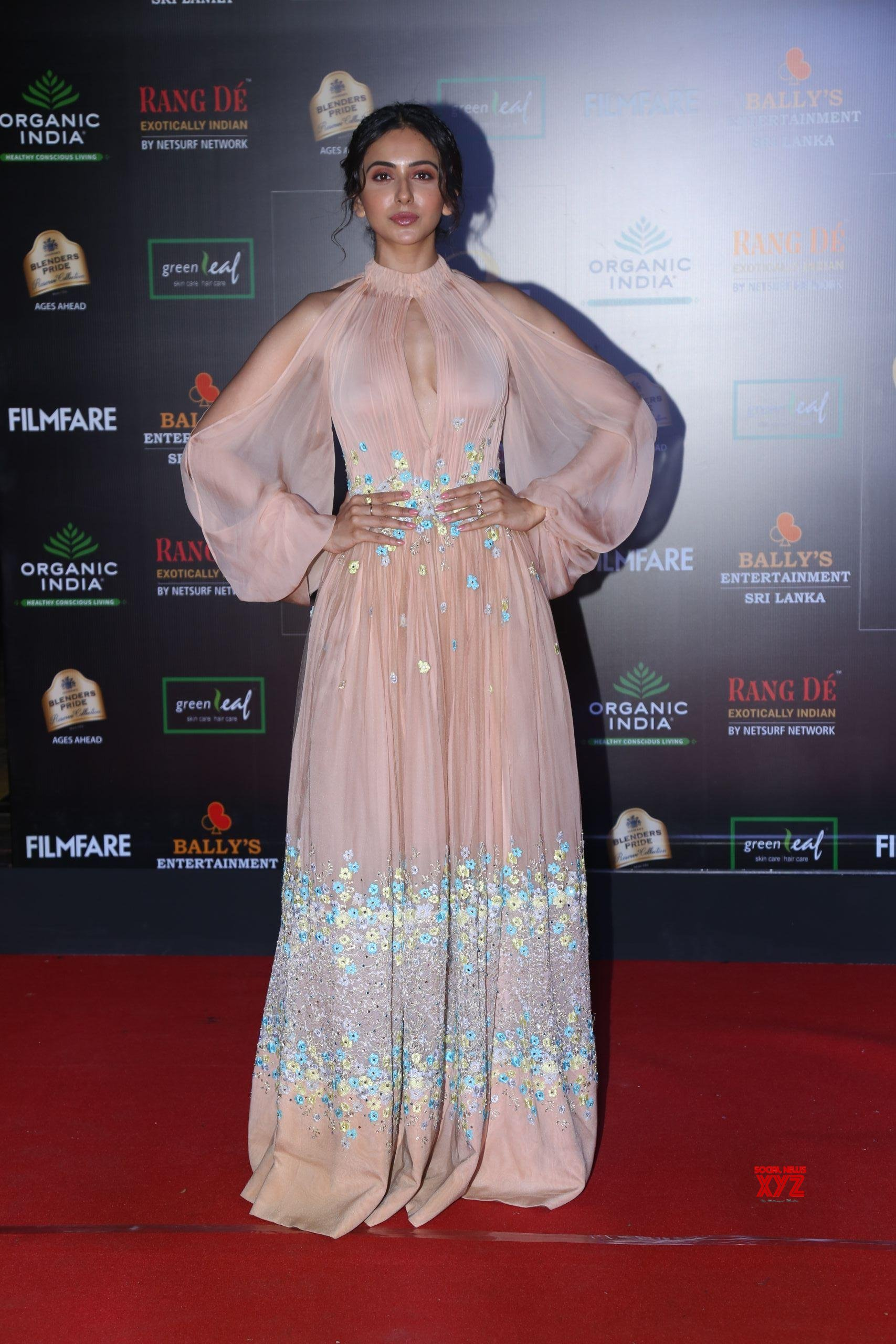 Actress Rakul Preet Singh Hot HD Stills From Filmfare Glamour And Style Awards 2019 Red Carpet