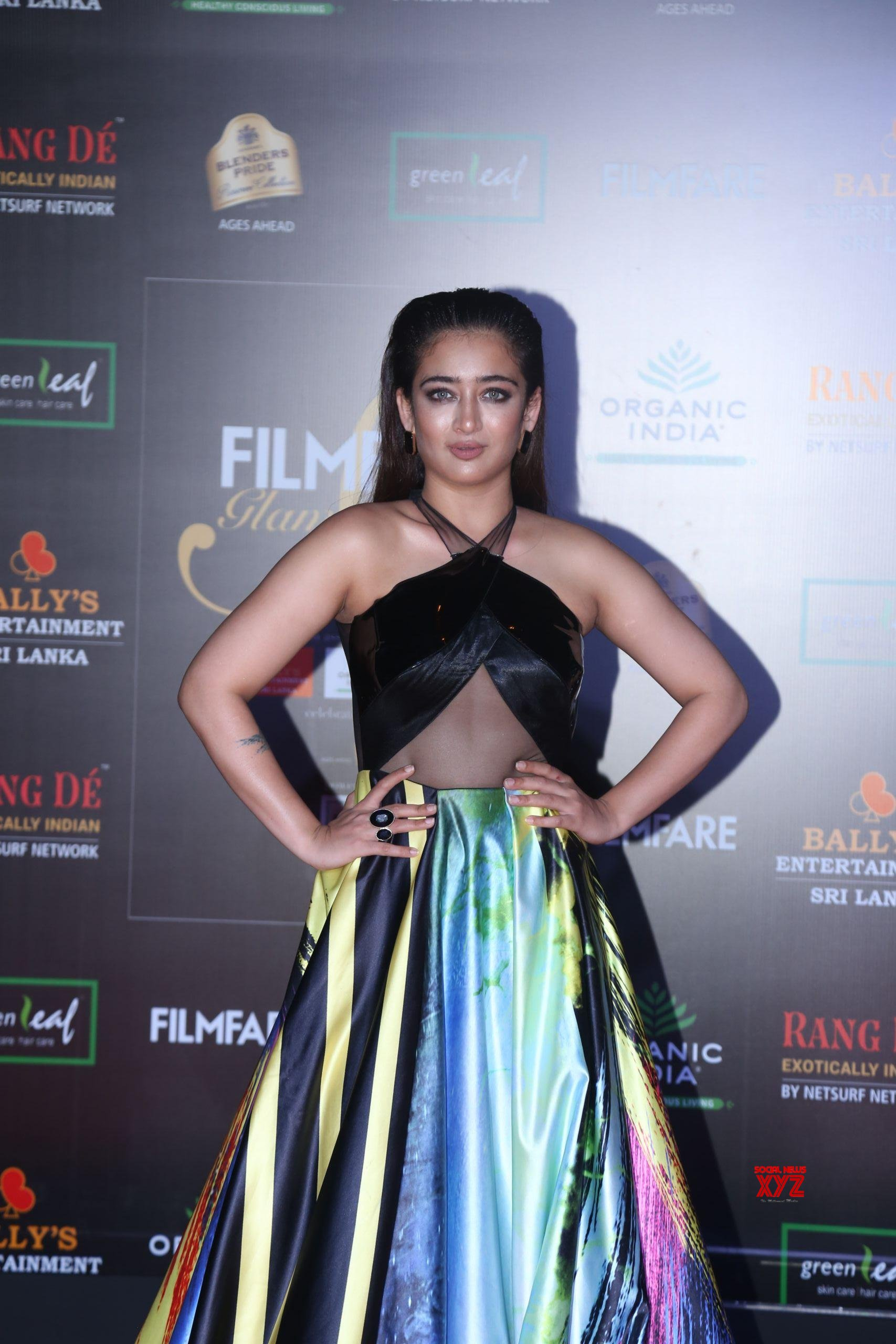 Actress Akshara Haasan Hot HD Stills From Filmfare Glamour And Style Awards 2019 Red Carpet