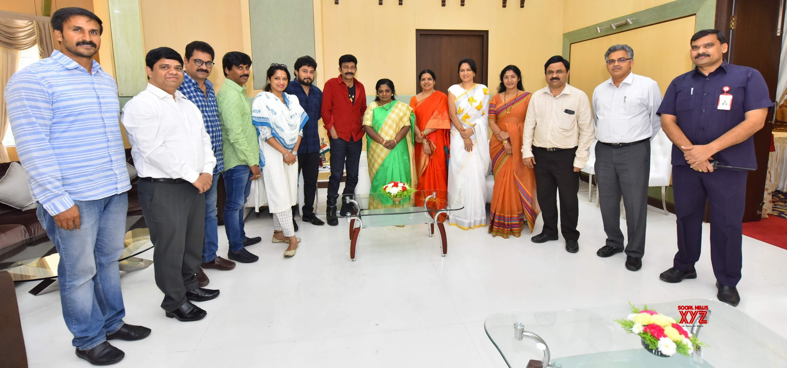 Movie Artists Association Committee Members Met Governor To Give Memorandum On Disha Case - Gallery