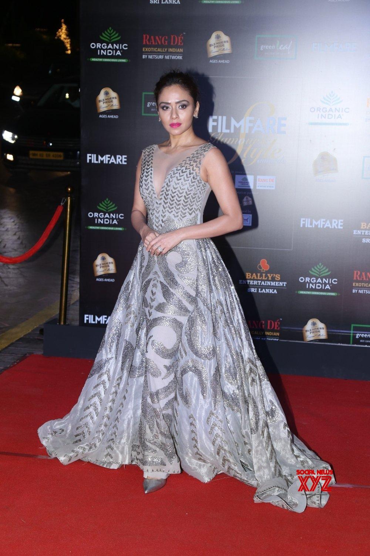 Mumbai: Filmfare Glamour And Style Awards 2019 - Amruta Khanvilkar #Gallery