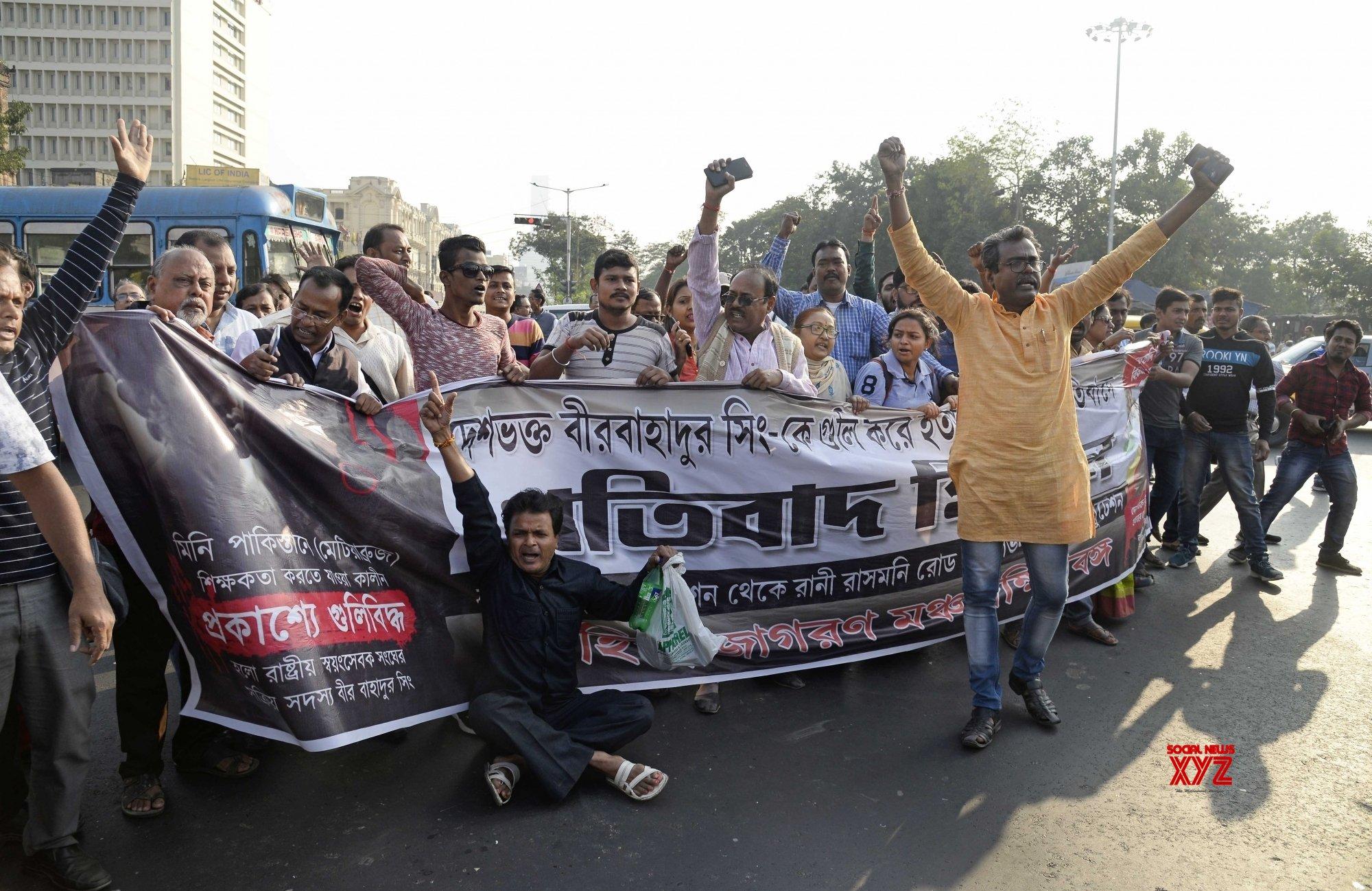Police stop Hindu Jagran Manch procession in Kolkata