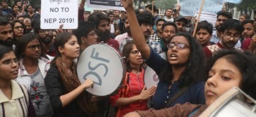 New Delhi: JNU students along with others students organisation stage a protest against central government over hostel fees hike and other issues, in New Delhi on Nov 27, 2019. (Photo: IANS)