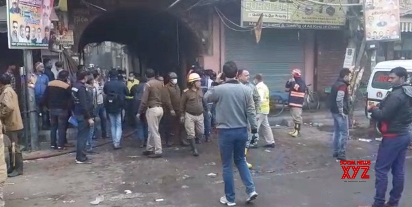 43 killed in fire at a factory in Delhi