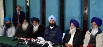 Amritsar: Shiromani Akali Dal (SAD) leader Bikram Singh Majithia addresses a press conference in Amritsar on Jan 9, 2020. (Photo: IANS)