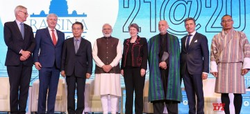 New Delhi: Prime Minister Narendra Modi with Former Canadian Prime Minister Stephen Harper, Former South Korean Prime Minister Han Seung-soo, Former Swedish Prime Minister Karl Bildt, Former Danish Prime Minister AndersFogh Rasmussen, Former New Zealand Prime Minister Helen Clark, Former Afghan President Hamid Karzai and Former Bhutan Prime Minister Tshering Tobgay at the inaugural session of Raisina Dialogue 2020, in New Delhi on Jan 14, 2020. (Photo: IANS/PIB)