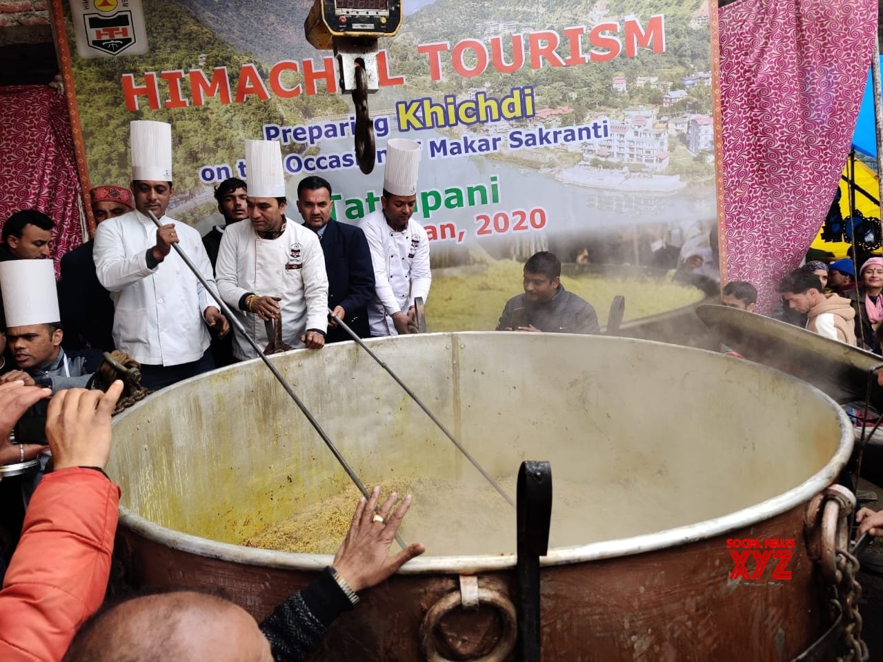 Tattapani: 1,995 kg 'khichdi' cooked in Himachal enters Guinness World Records #Gallery