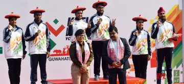 Guwahati: Ayushi Podder and Amartya Mukherjee from West Bengal bagged Gold, Kavi C Rakshna and Rithik Ramesh from Tamil Nadu bagged Silver and Samiksha Dhingra and Sunmoon Sing Brar from Punjab bagged Bronze in the 10 meter air rifle mixed team under 21 event at the third edition of Khelo India Youth Games, in Guwahati on January 15, 2020. (Photo: IANS/PIB)