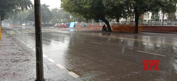 New Delhi: Rains lash New Delhi on Jan 16, 2020. (Photo: IANS)