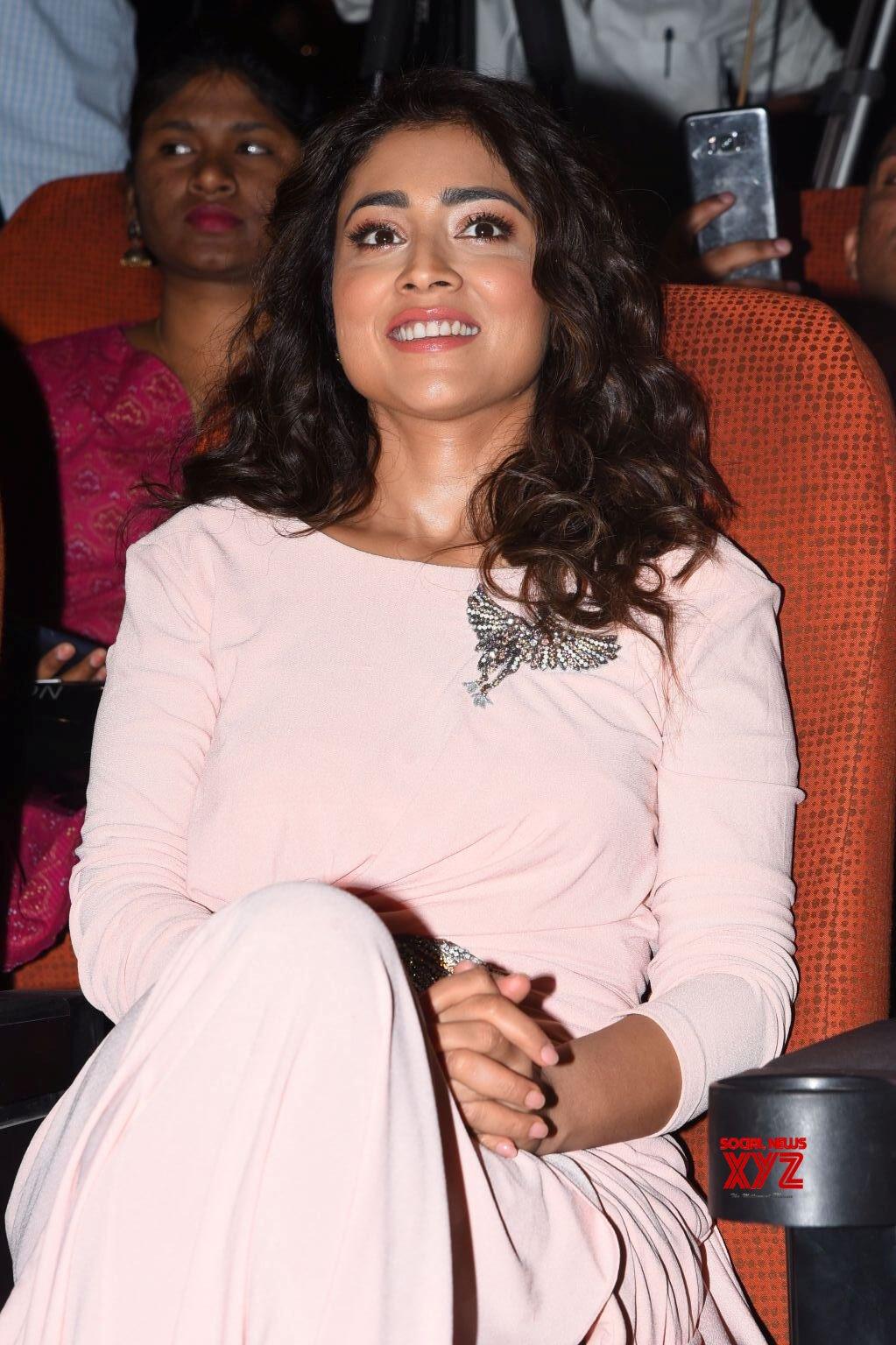 Actress Shriya Saran Hot Glam Stills From My South Diva 2020 Calendar Launch