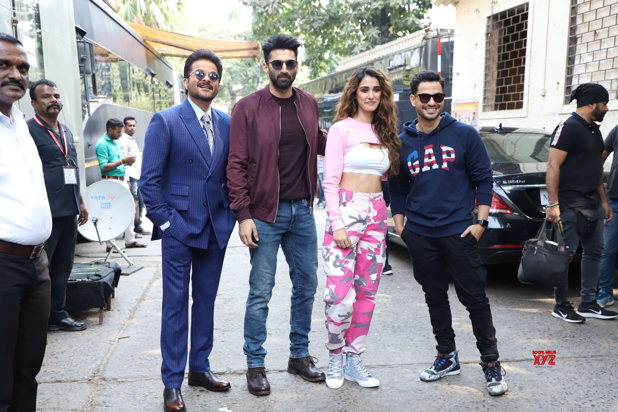 Disha Patanig Aditya Roy Kapoor Anil Kapoor And Kunal Khemu On The Sets Of Dance Plus 5 For Malang Movie Promotions Hd Gallery Set 1 Social News Xyz