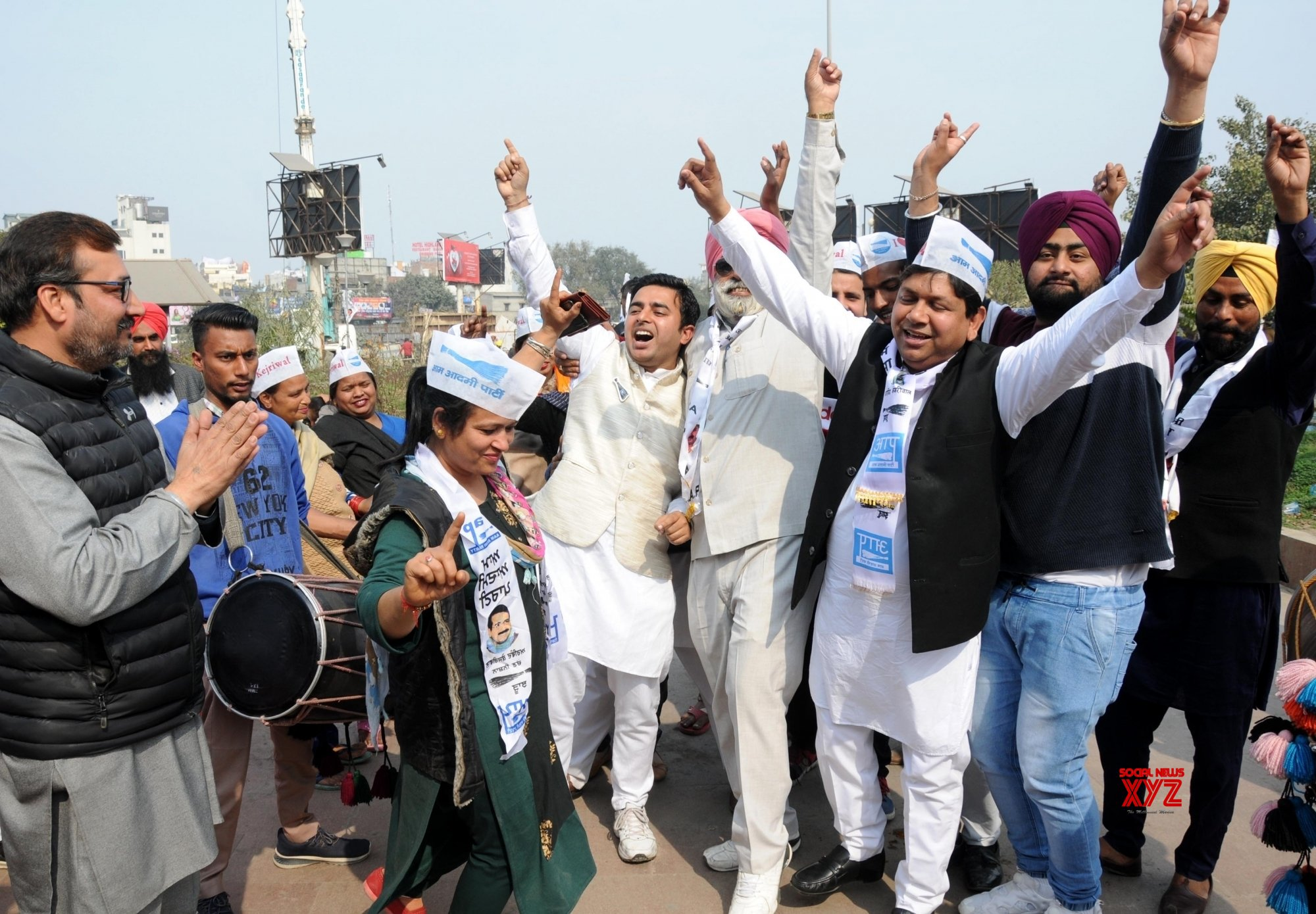 Amritsar: AAP set to return in Delhi, party workers celebrate #Gallery