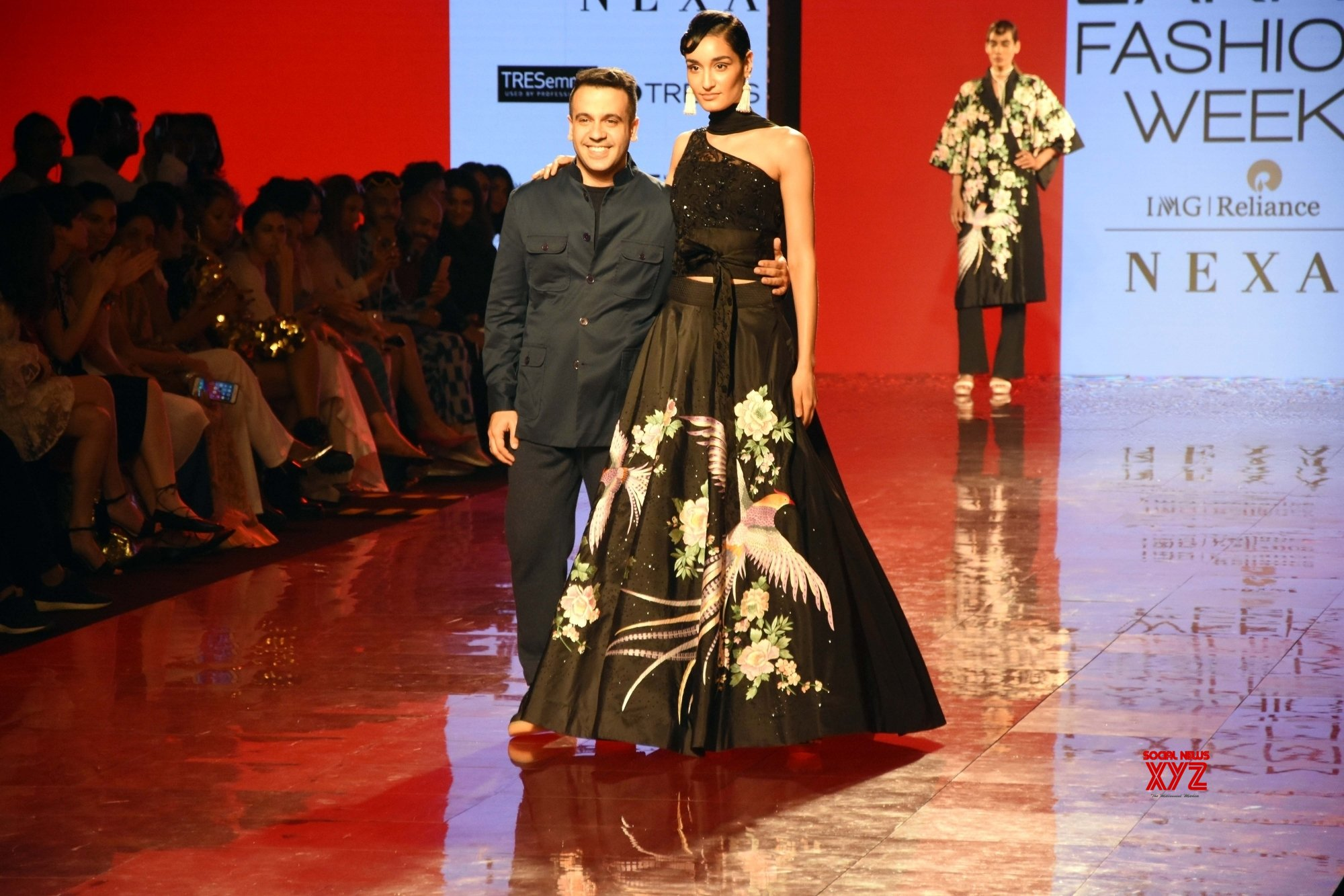 Mumbai Lakme Fashion Week Day 2 Designer Ashdeen Show Gallery Social News Xyz