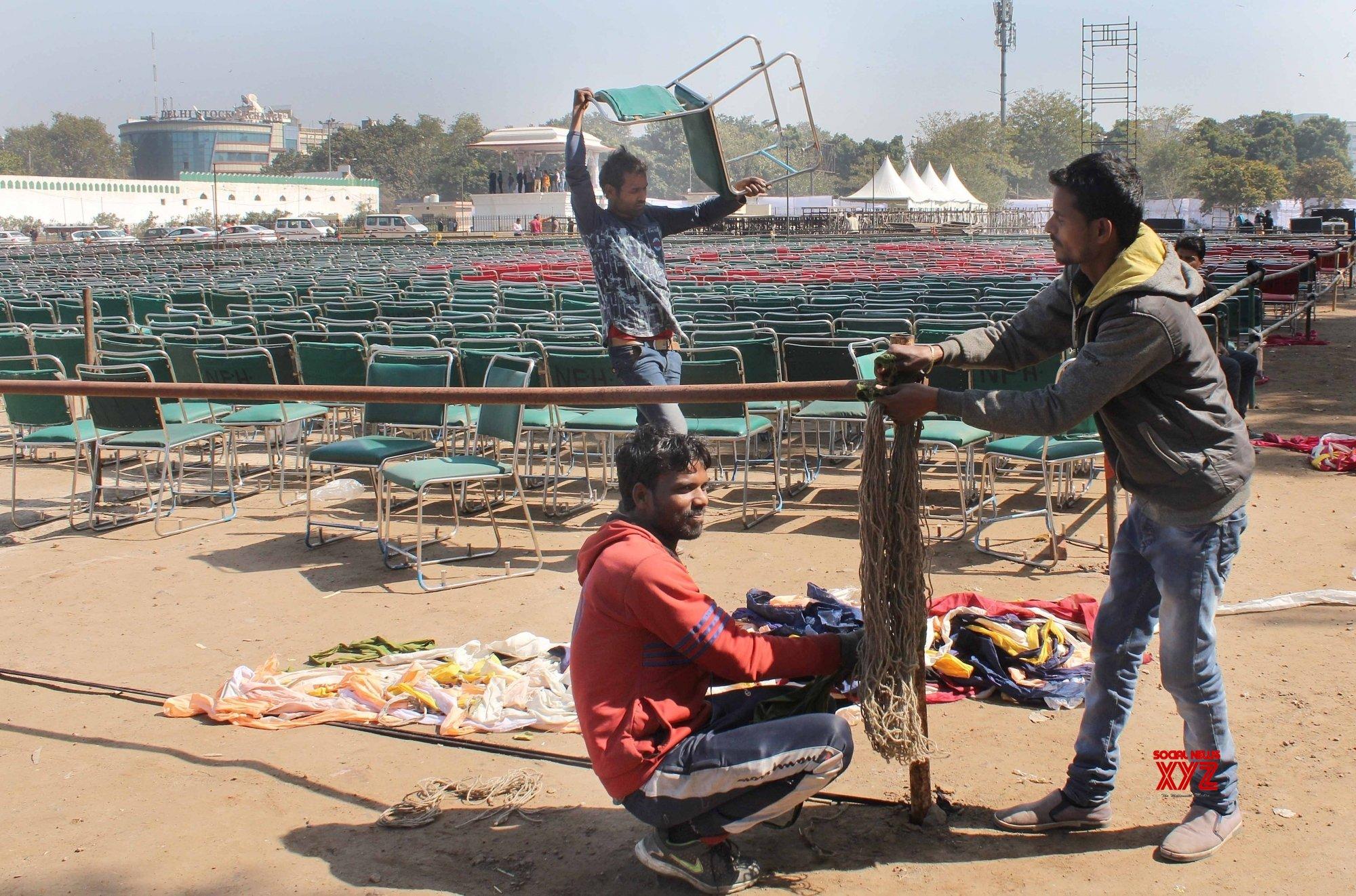 New Delhi: Preparations for Kejriwal's swearing - in ceremony underway at Ramlila Ground #Gallery