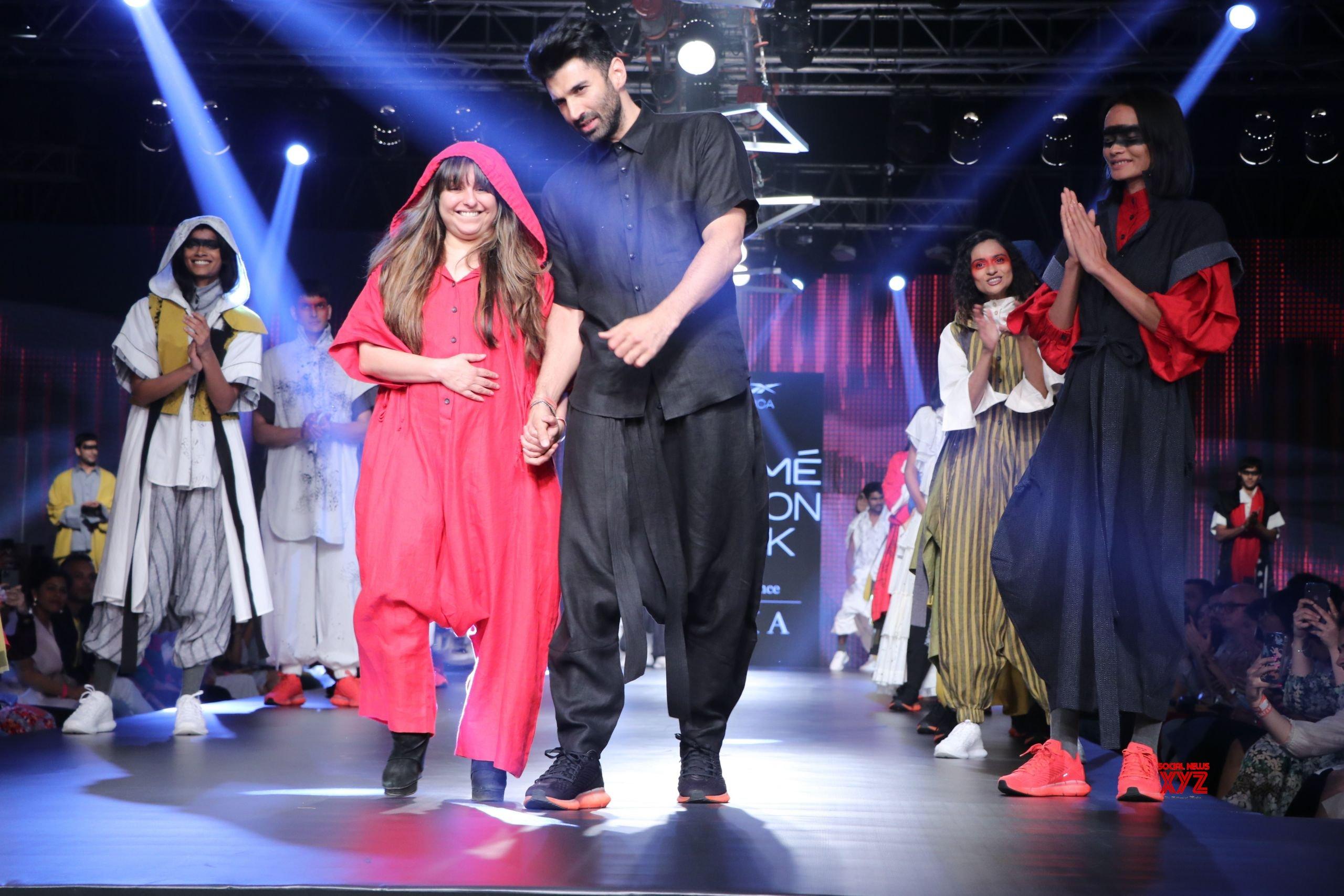 Aditya Roy Kapur Walks For Chola At Lakme Fashion Week Summer Resort 2020 HD Gallery