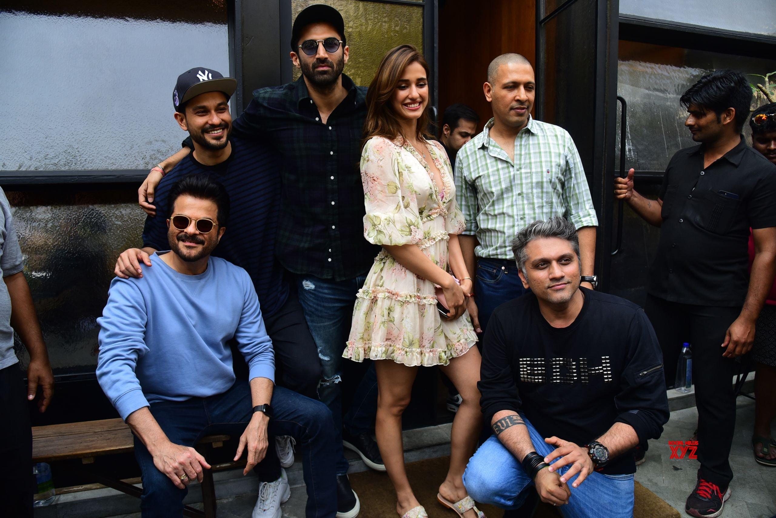 Disha Patani Aditya Roy Kapoor Anil Kapoor And Kunal Khemu Of Malang Movie At Pali Village Cafe In Bandra Hd Gallery Social News Xyz