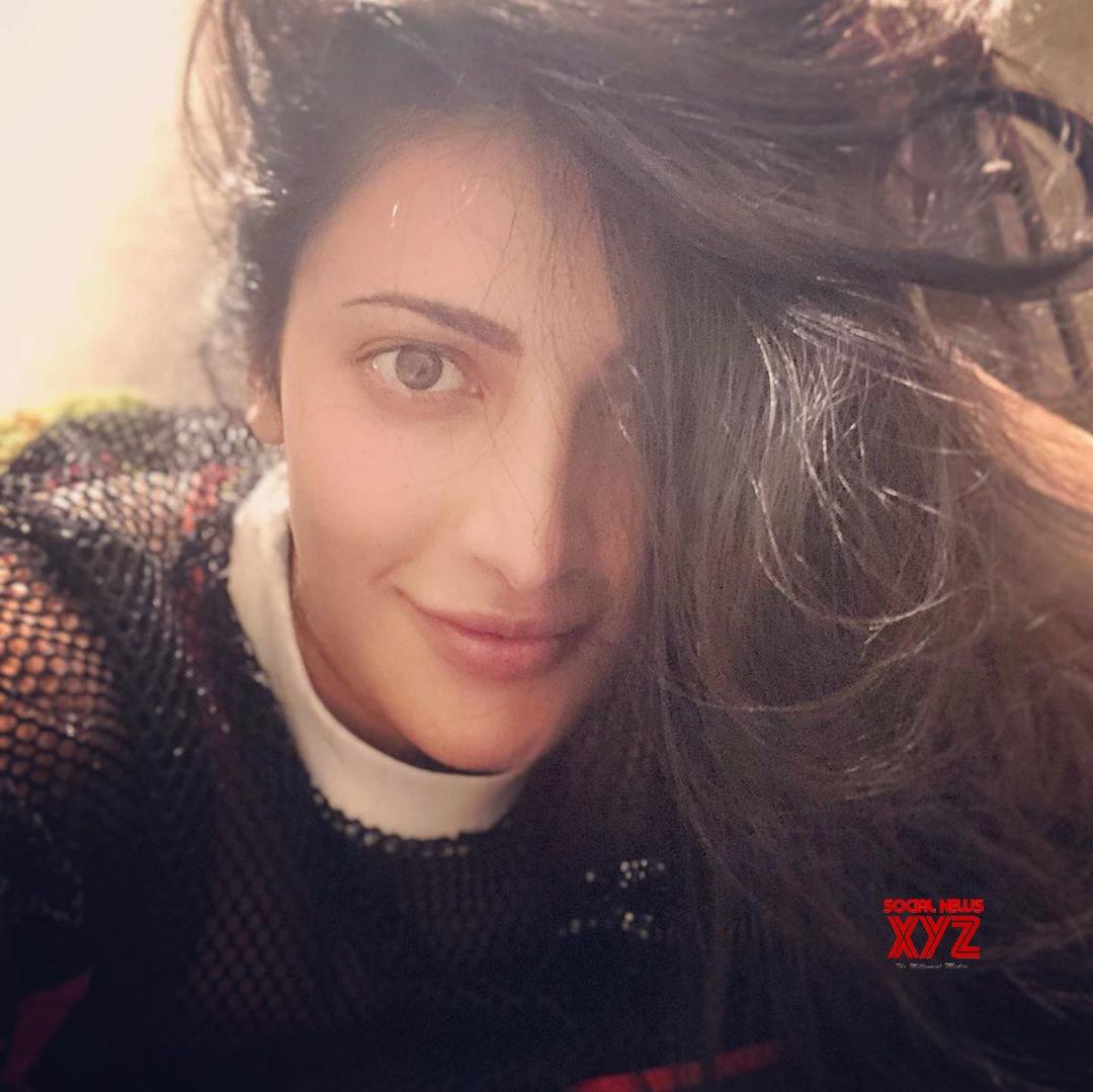 Actress Shruti Haasan New Stills