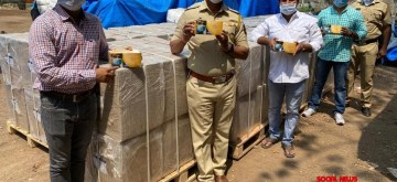 Mumbai: Vile Parle Police seizes a consignment of 4 lakh masks worth Rs 10 million from a warehouse near Mumbai International Airport on March 25, 2020. (Photo: IANS)