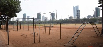 Mumbai: A playground bears a deserted look on Day 2 of the 21-day nationwide lockdown imposed by the Narendra Modi government over the coronavirus pandemic; in Mumbai on March 26, 2020. (Photo: IANS)