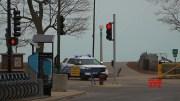 Chicago police block lakefront amid virus spread (Video)