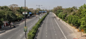 New Delhi: Delhi streets bear a deserted look during complete lockdown imposed in 560 districts in 32 states and union territories across the country as precautionary measures to contain the spread of the coronavirus, on Mach 24, 2020. (Photo: IANS)
