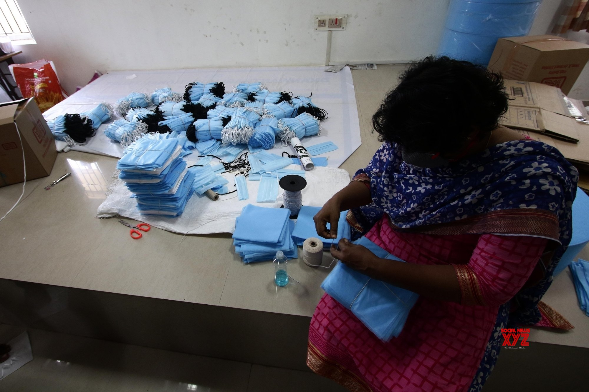 Sogal Traitement De Surface chennai: police team engaged in manufacturing masks during