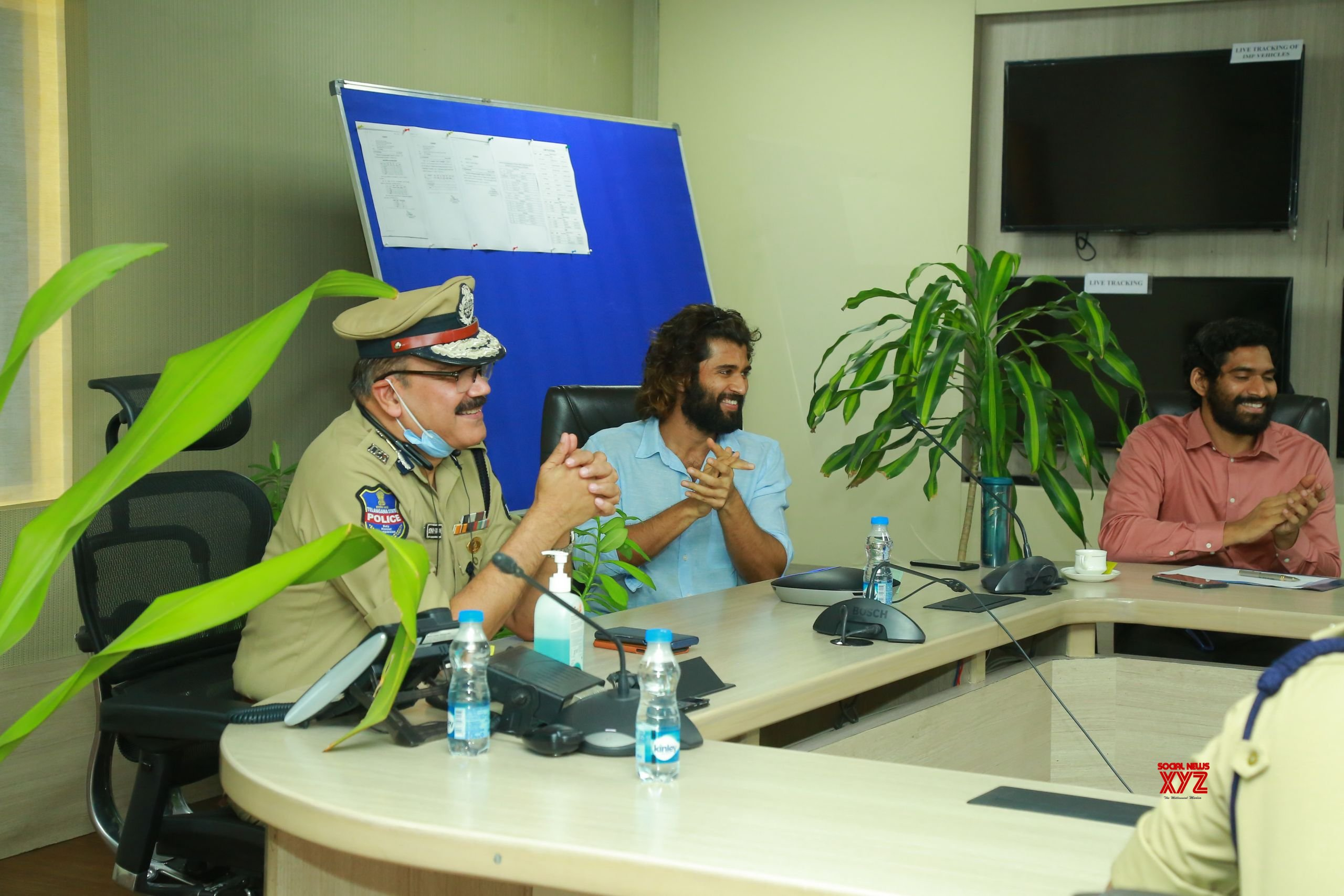 Vijay Devarakonda Interacted With Field Level Police Officers Of Hyderabad City Through Video Conference HD Gallery