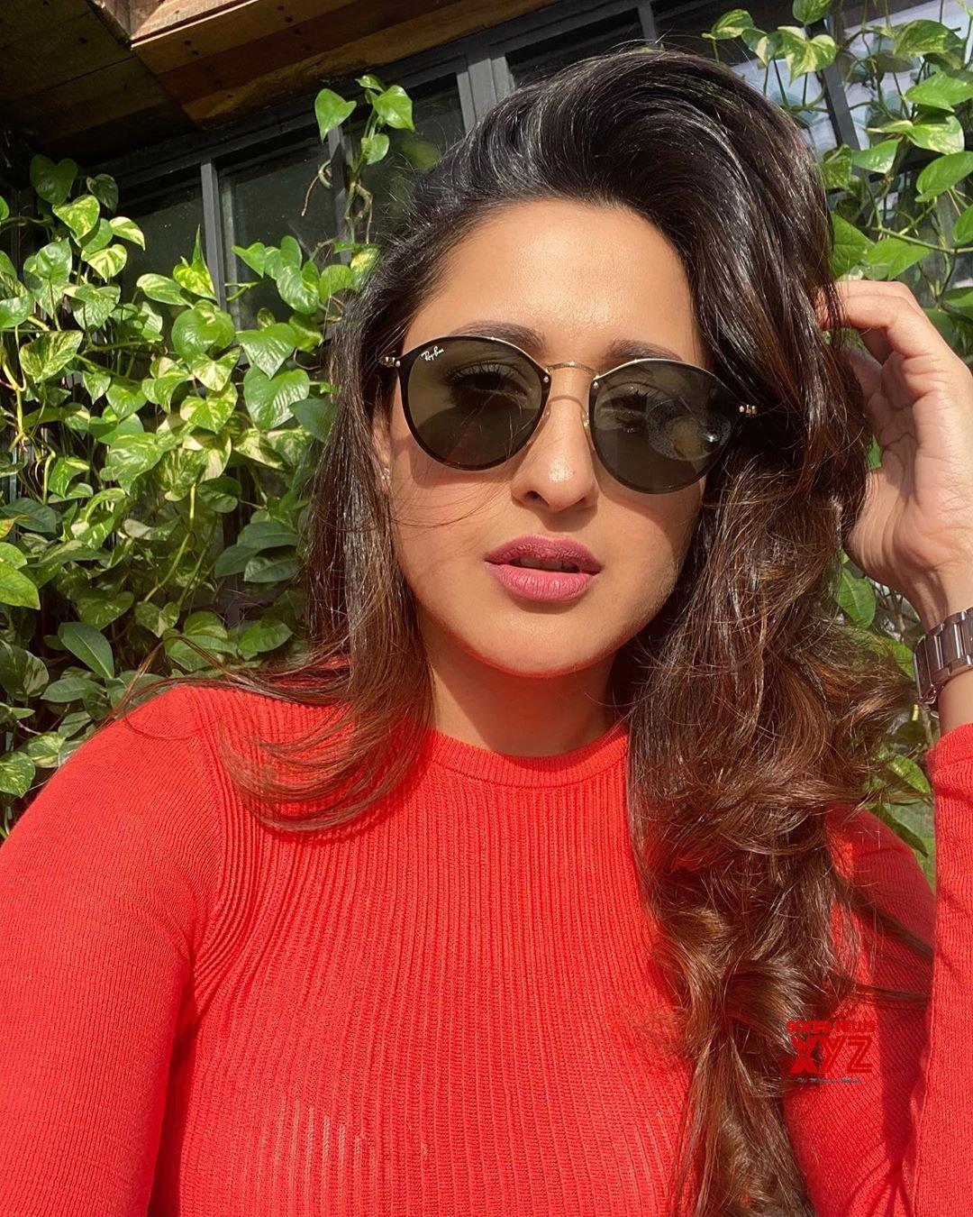 Actress Pragya Jaiswal Latest Hot Glam Stills
