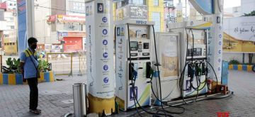 Bengaluru: A petrol pump bears a deserted look on Day 4 of the lockdown imposed in the wake of the coronavirus pandemic, in Bengaluru on March 28, 2020. (Photo IANS)