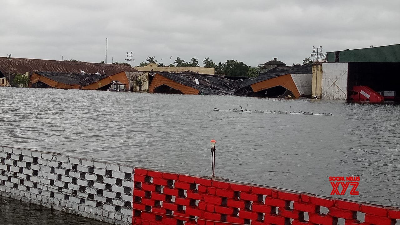 Kolkata: Kolkata airport flooded #Gallery