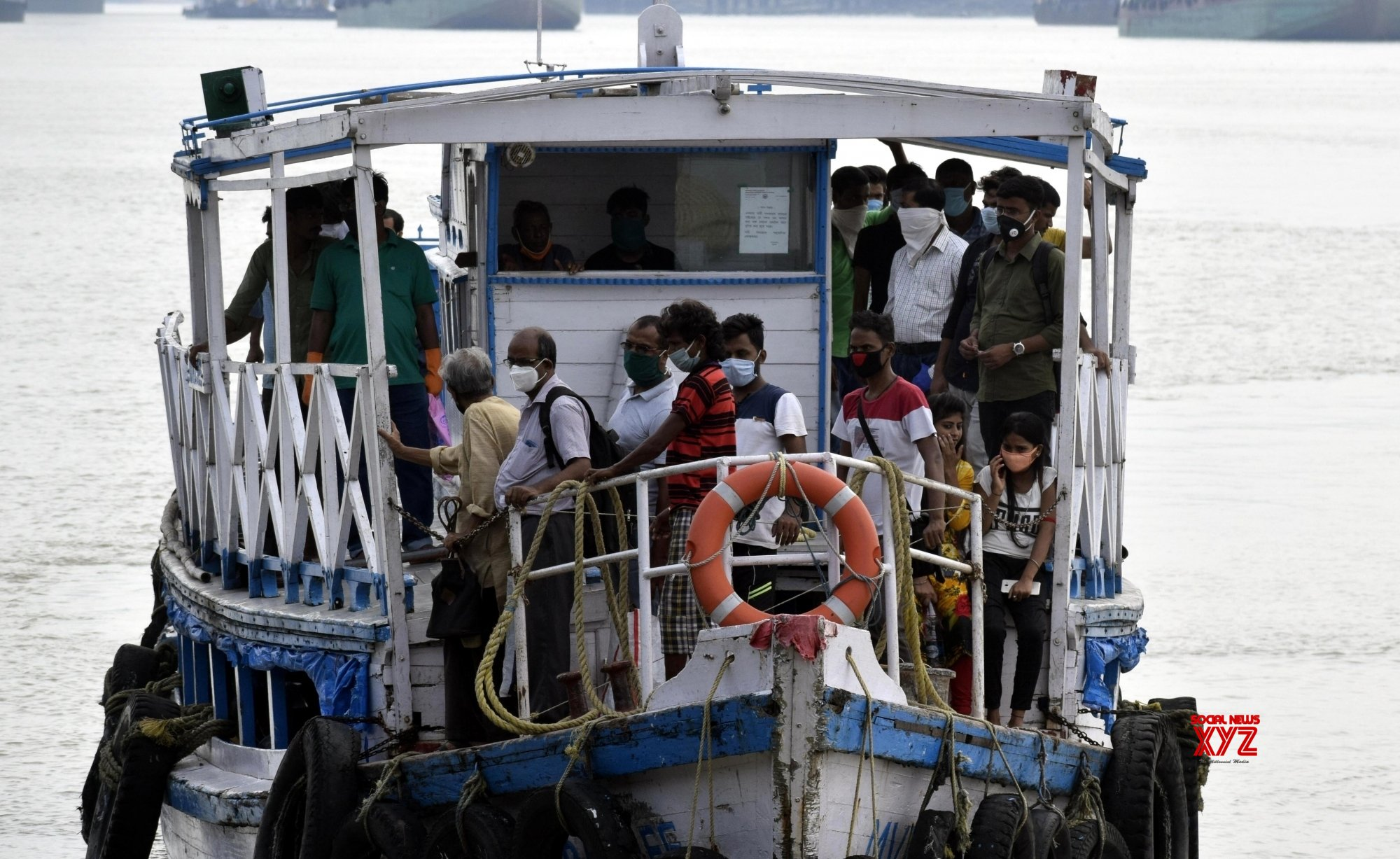 Kolkata: People use ferry services to commute during bus strike called by Joint Council of Bus Syndicates #Gallery