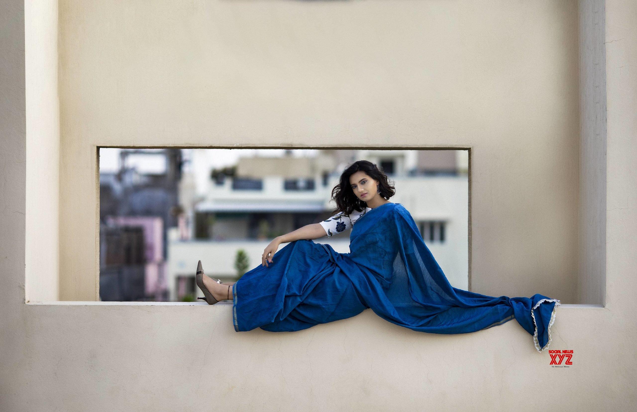 Actress Isha Chawla New Glamour HD Stills